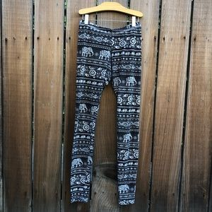 Truly Madly Deeply black elephant leggings pants S